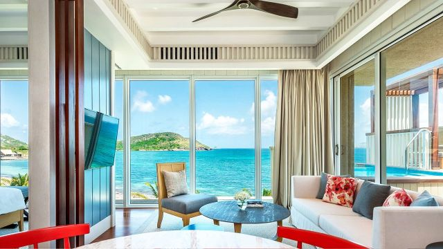 Park-Hyatt-St-Kitts-Christophe-Harbour-P058-Nevis-Peak-Suite.adapt.16x9.1280.720
